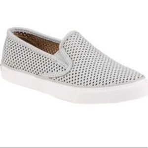 Sperry Shoes - NWT Sperry top-sider pier side slip-on sneakers
